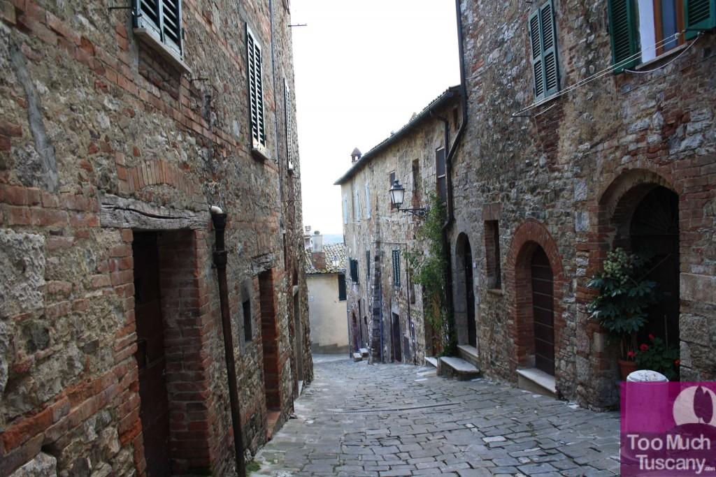Discover san casciano dei bagni thermal baths and medieval village toomuchtuscany - San casciano dei bagni ...